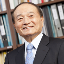 Myung Oh '72 PhD named inaugural Alumni Hall of Fame Honoree