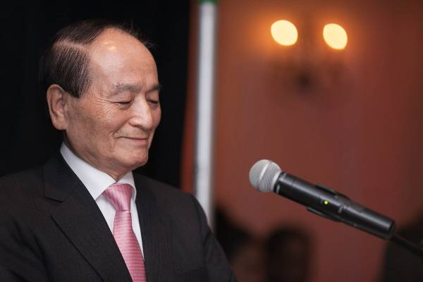 Stony Brook University College of Engineering and Applied Sciences Inducts Myung Oh '72, PhD into Alumni Hall of Fame