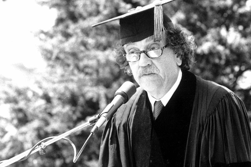 Author Kurt Vonnegut giving the commencement address at Southampton College.