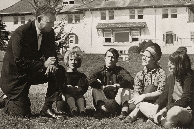 Southampton College president Edward C. Glanz talking to students on campus. From the 1965 Sandpiper yearbook, courtesy of John Waldron.