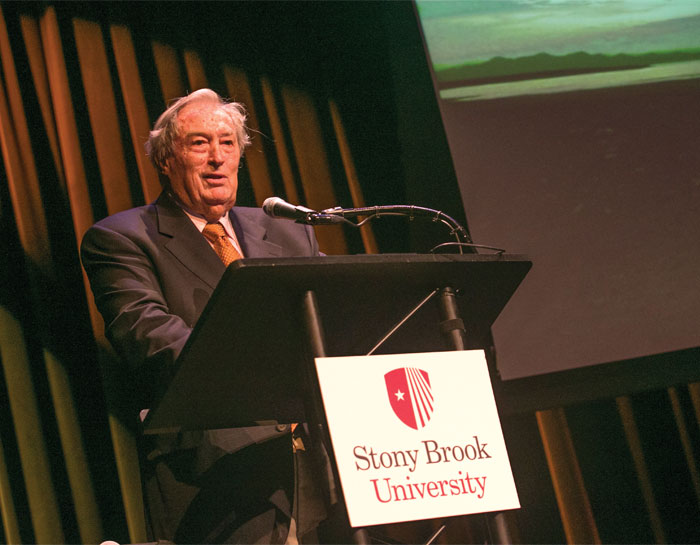 Richard Leakey delivering a lecture at Stony Brook University